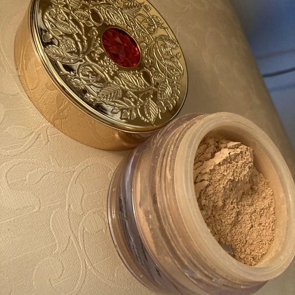 Bare Minerals powder. New.